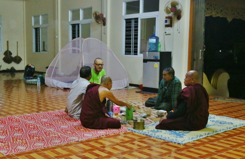 Burma. Nyaung Ahe shay  (2)