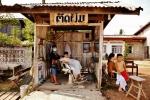 Zaklad fryzjerski w Laosie (1)